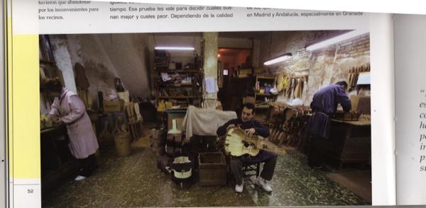http://www.guitarrasquiles.com/images/Artesanos/img006.jpg