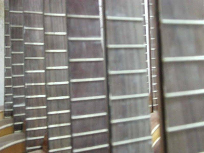 https://www.guitarrasquiles.com/images/Curiosidades/12b.jpg