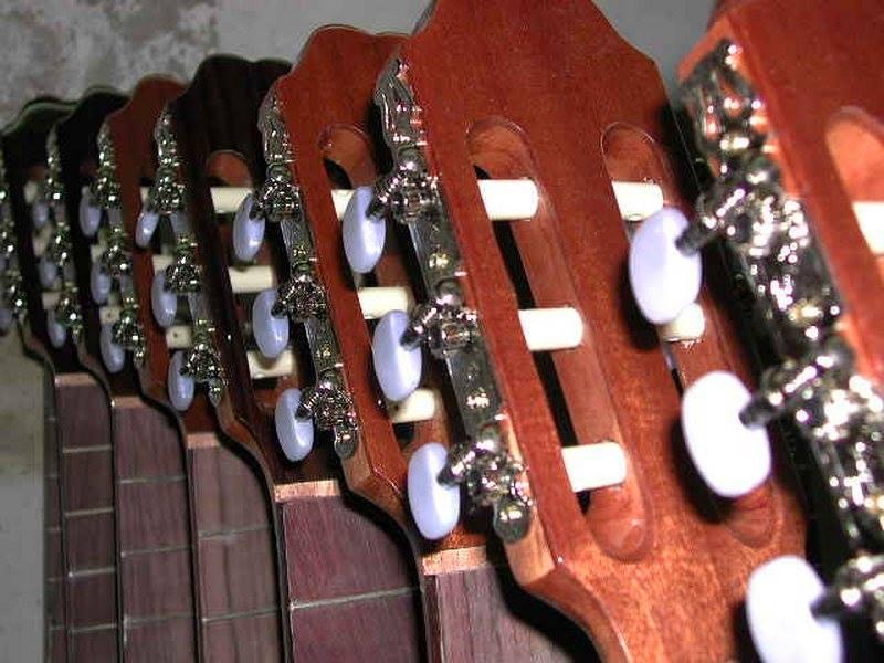https://www.guitarrasquiles.com/images/Curiosidades/6.jpg
