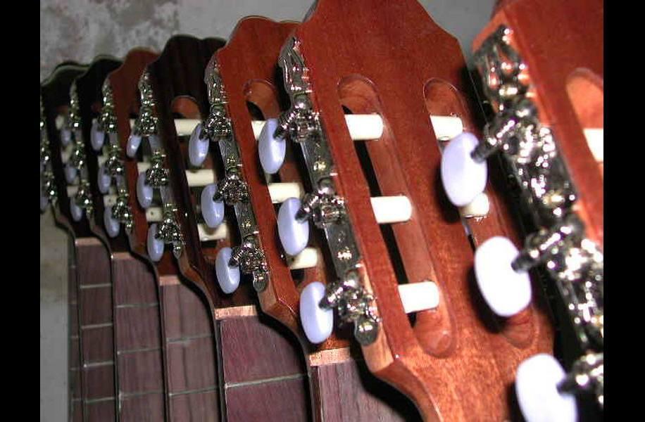 https://www.guitarrasquiles.com/images/Curiosidades/7.jpg