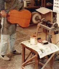 https://www.guitarrasquiles.com/images/Produccion/u1.jpg