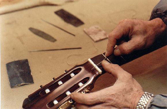 https://www.guitarrasquiles.com/images/Produccion/v.jpg